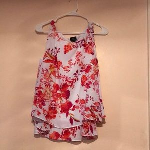 Flowy floral Worthington blouse